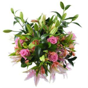 #208. Лилии, розы, альстромерии