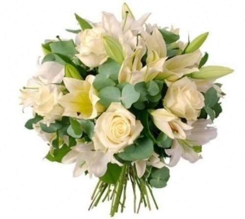 #195. Розы белые, лилии