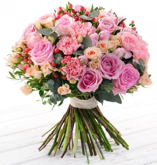 #189. Розы, кустовые розы, гвоздики.