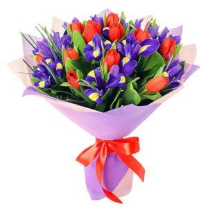 #401 Букет из ирисов и тюльпанов