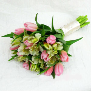 #413 Букет с тюльпанами и альстромерией