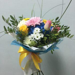 #393 Букет с гортензией и тюльпанами