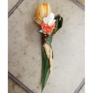 #162а. Бутоньерка из тюльпана, гвоздики, альстромерии