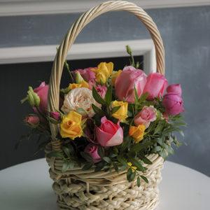 #324 Корзина с цветами