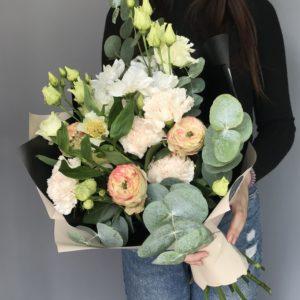 #065 букет с пионовидными розами