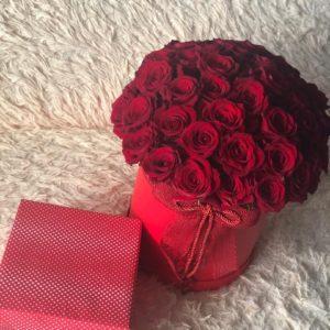 #527 коробка с 45 красными розами
