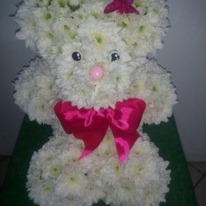 #244 Медвежонок из живых цветов