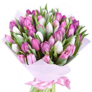 # 398 букет из 45 тюльпанов в крафте