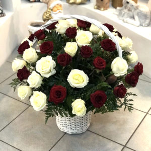 #628 Корзина с 51 розой